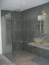 Les 10 grandes tendances en mati re de design de salle de for Grande douche a l italienne