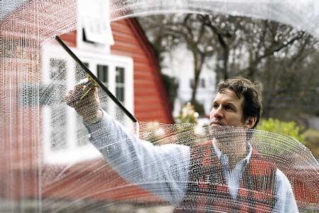 Comment nettoyer simplement et efficacement vos vitres ?