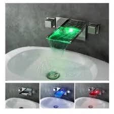La robinetterie se fait high tech avec l'intégration de led