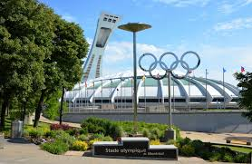 le stade olympique construit pour les jeux de 1976